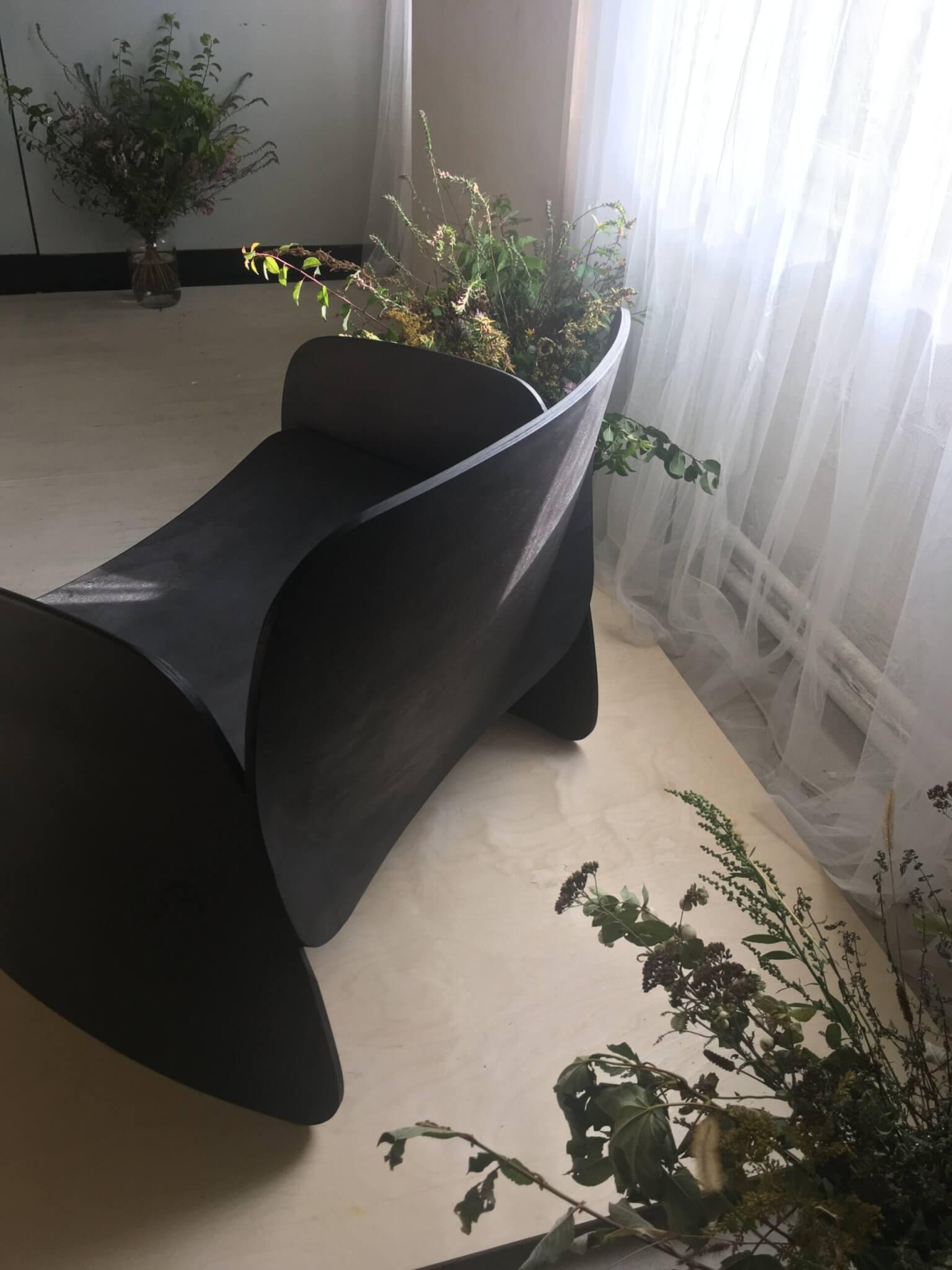 Li_chair